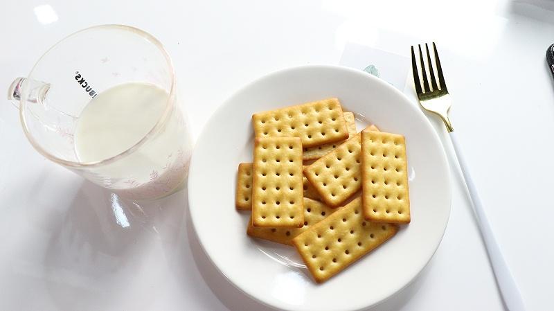 嘉友牛乳饼干