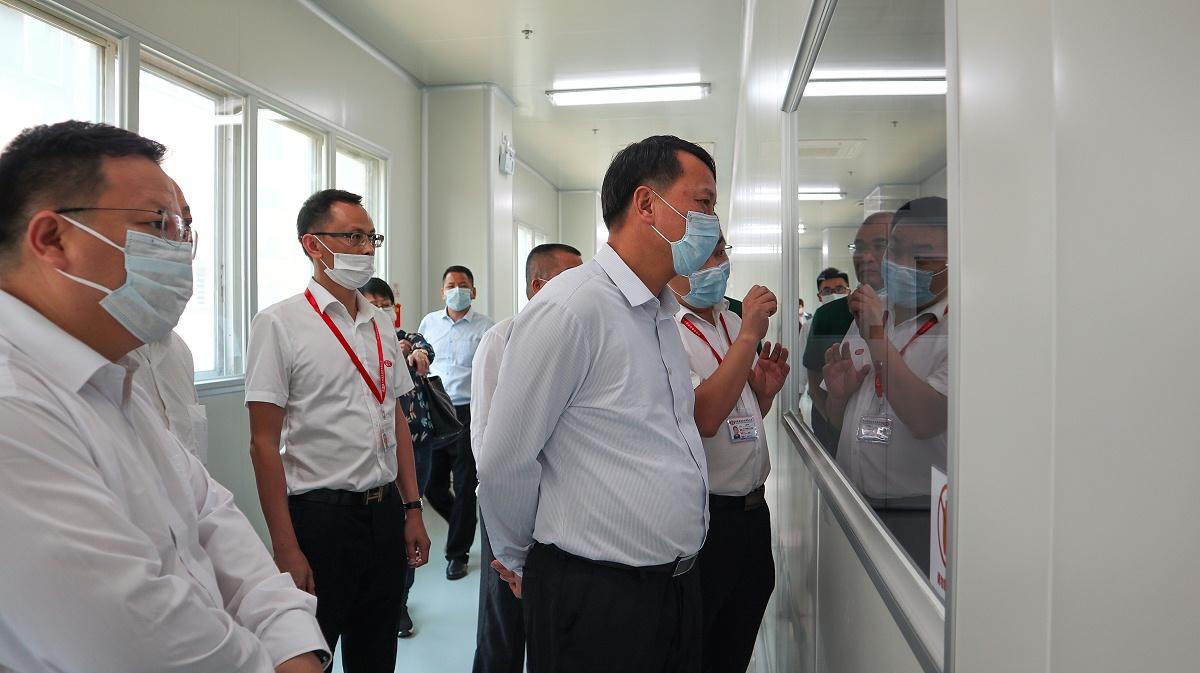 韶关市领导参观生产车间